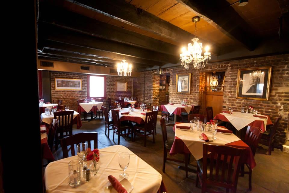 17Hundred90 Savannah restaurant inside