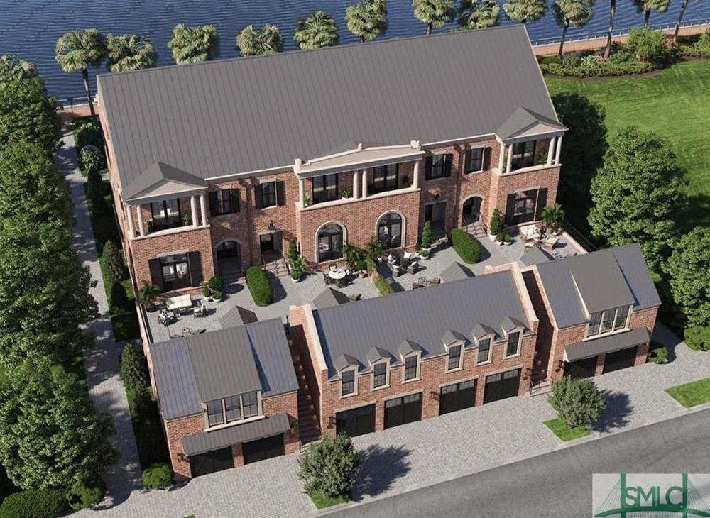 Riverfront luxury homes at Upper East River