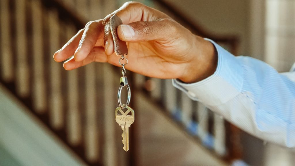 keys to a new home - Home buying and selling Savannah Georgia